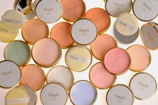 Parfums et poudres Detaille