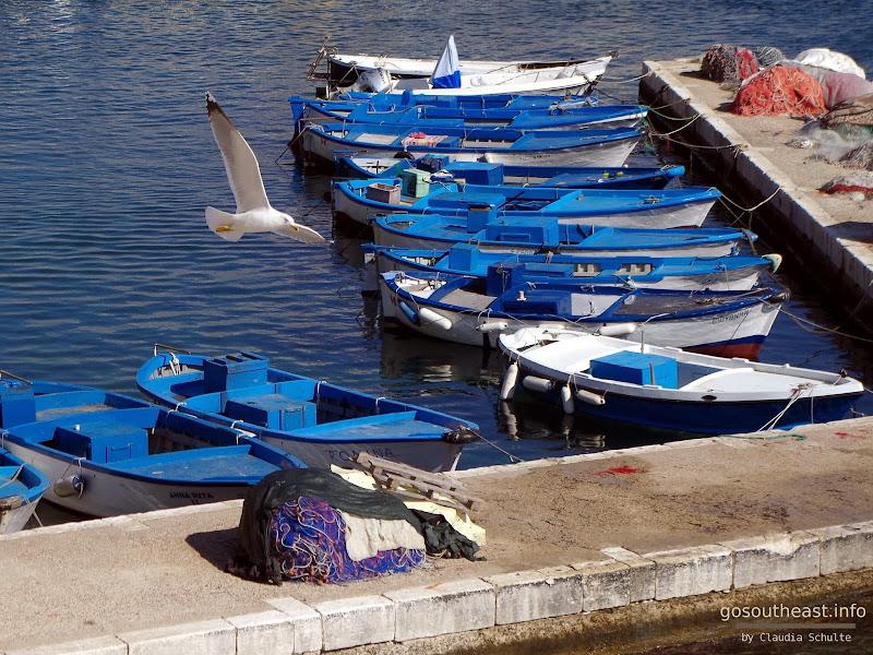Am Hafen von Gallipoli im Oktober (Apulien)