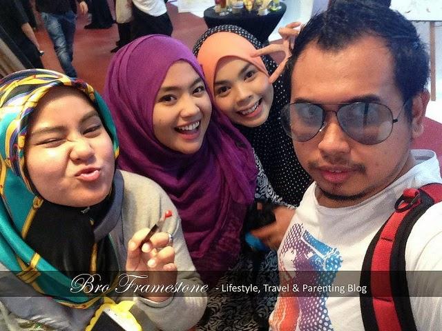 3 GADIS BLOGGER POPULAR BAGI TAHUN 2015