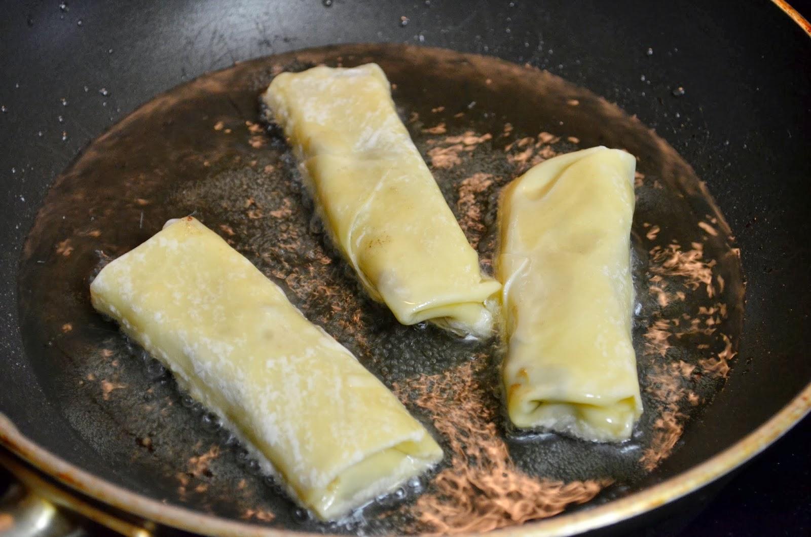 black bean spring rolls recipe, vegetarian spring rolls recipe, vegan spring rolls recipe, sweet chili dipping sauce recipe, black bean vegetarian spring rolls recipe, healthy spring rolls recipe, healthy vegetarian recipe