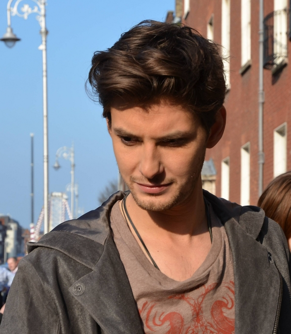 Hollywood Celebrities: Ben Barnes Biography, Pictures And