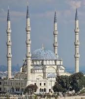 depan-masjid-nizamiye-afrika-selatan-darussalam-oku-selatan
