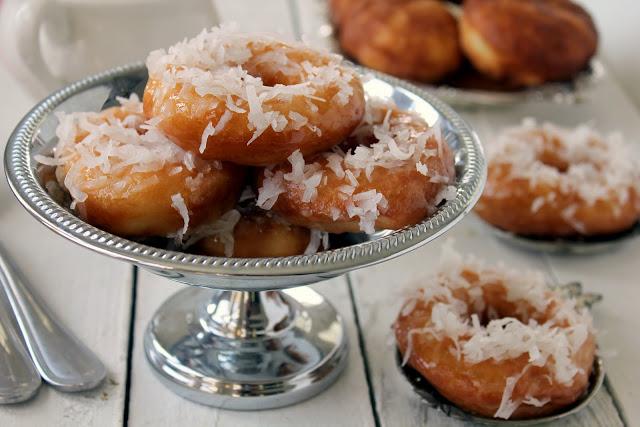 Pina Colada Donuts recipe from cherryteacakes.com