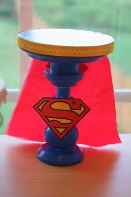 DIY Super Heroes Cupcakes Stand.