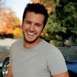 Luke Bryan - Love In A College Town