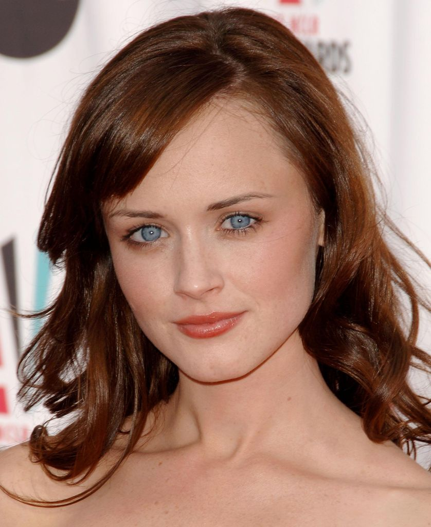 Hair Style Trends Makeup for Virgo Women Alexis Bledel-5