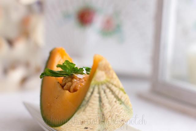 spuma di prosciutto in barchetta di melone... e dormire può essere davvero bello!