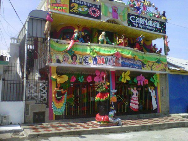 La mejor fachada del carnaval est en barrio abajo for Decoracion del hogar barranquilla