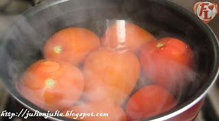 كيفية تقشير الطماطم بسهولة