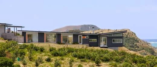 New zealand contemporary beach house design that 39 s made to for Coastal home designs nz