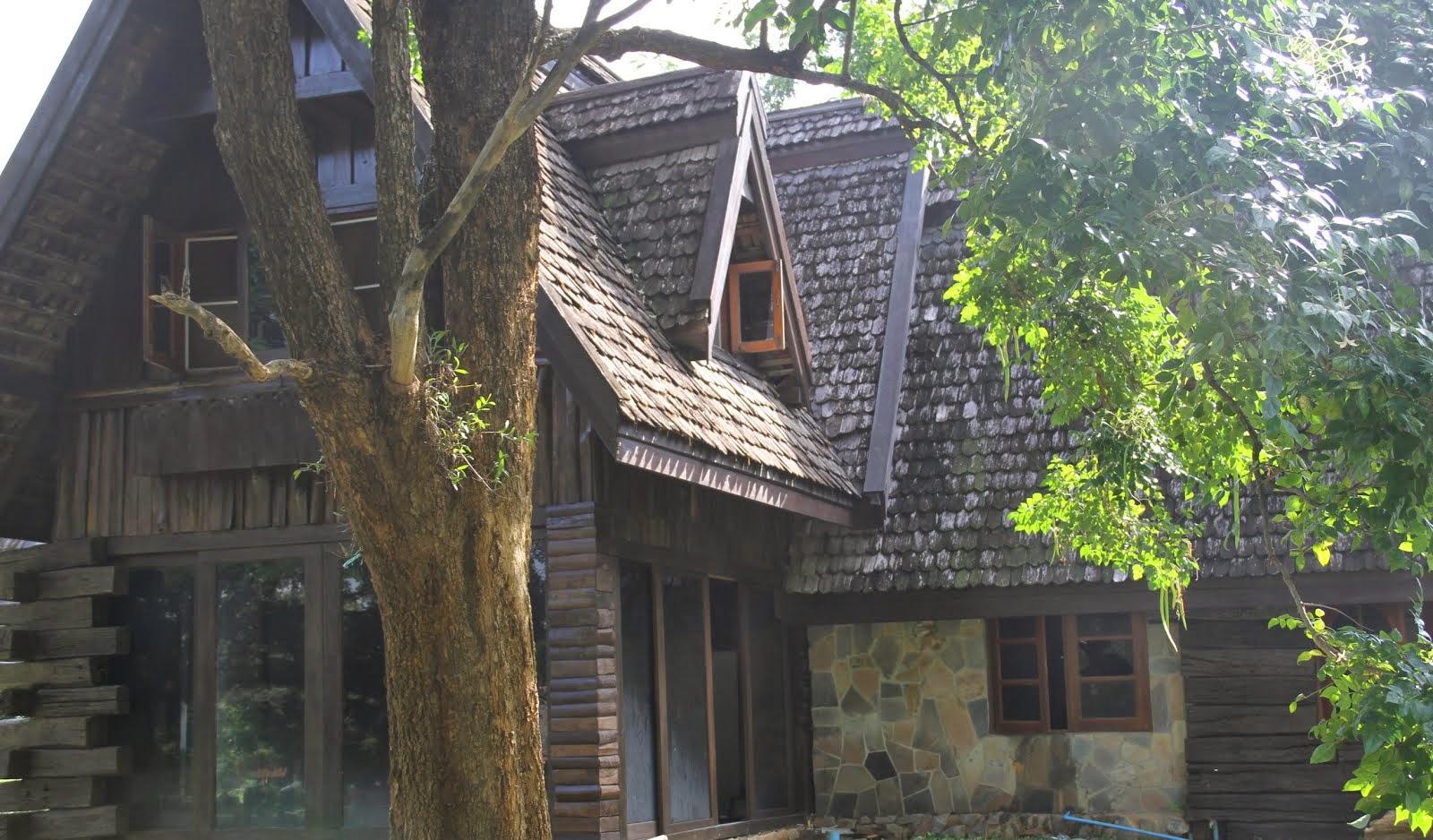 GROVE HOUSE มวกเหล็กวาลเลย์
