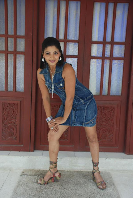 Thanuja Dilhani Hot Photo Collection
