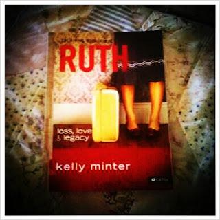 Happy housewife happenings Kelly minter ruth living room series