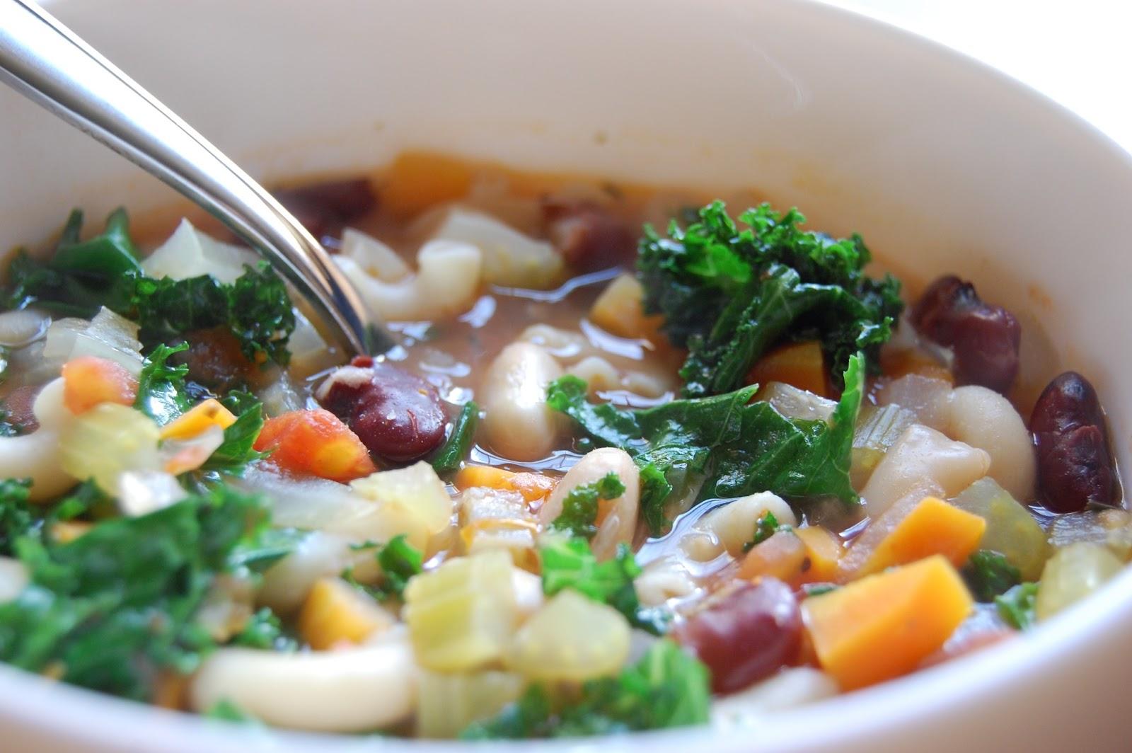 rabbit food rocks: Minestrone Tuscan Bean Soup
