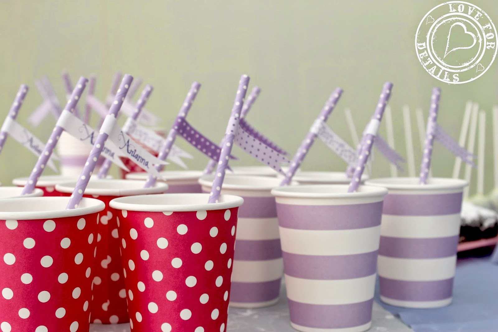 Violetta party straws and cups
