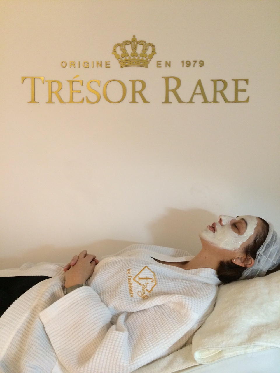 Tresor Rare £1000 Diamond Facial Review