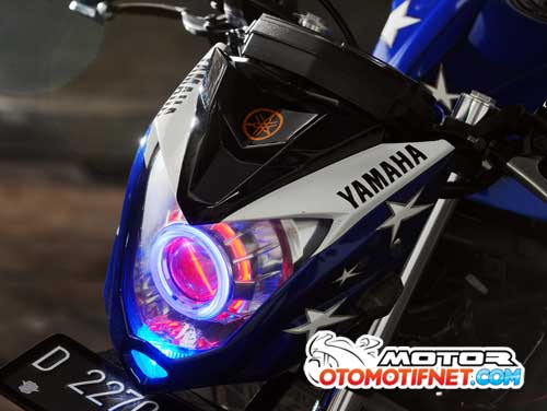 Modifikasi Yamaha YZF-R25 Naked Bike