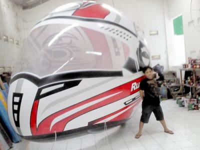 Balon udara karakter helm