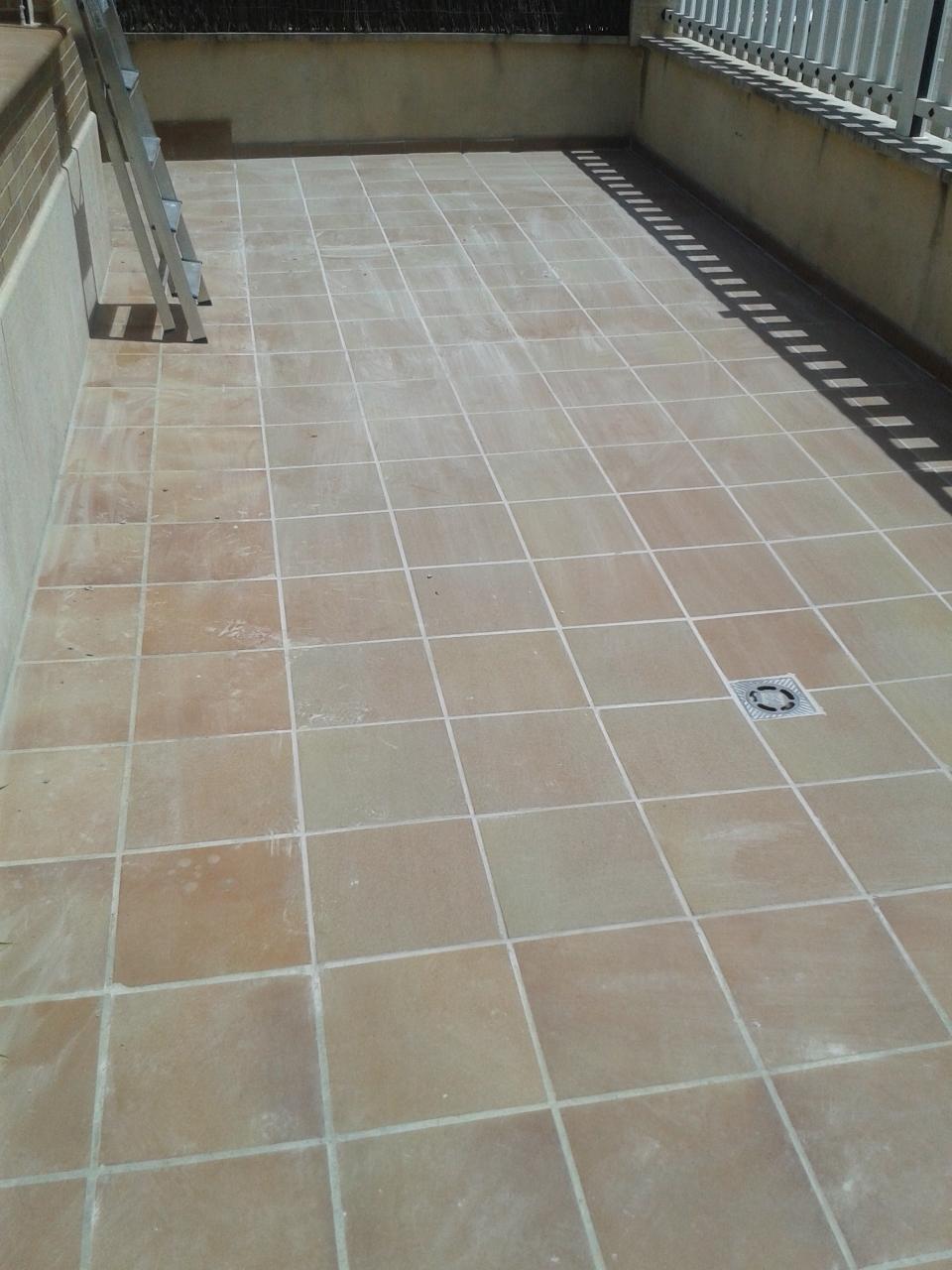 Pavimento exterior barato trendy pavimento exterior barato suelo color gris en oficina para - Suelos exterior baratos ...