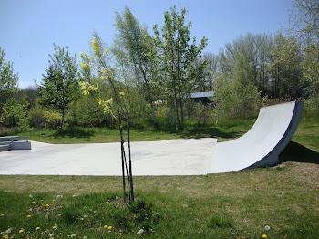[ skatepark annapolis royal nova scotia canada ]