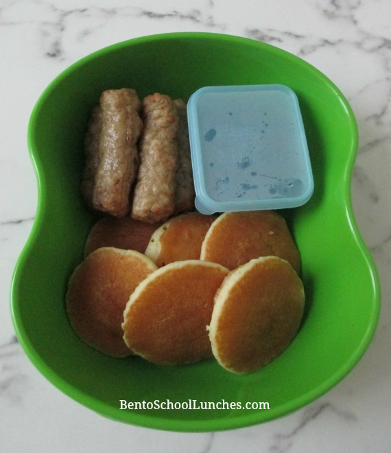 Warmables Lunchbox Kit Review. Pancakes and sausages