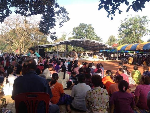 Ponsung. Tailandia. Día de los Santos