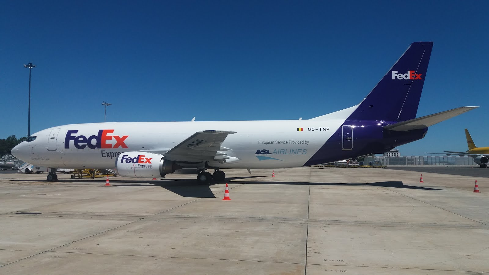 deaf in fedex Just for deaf 74k likes the fedex express hub in indianapolis is the company's second largest hub in the world it's over 24 million square feet.