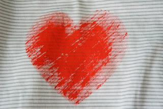 Сердечко из акриловой краски