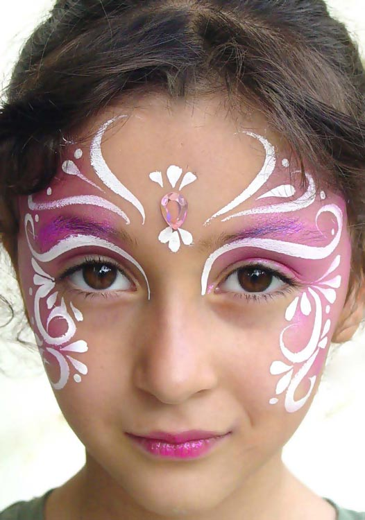 Face Painting Ideas for Fall http://www.remodelaholic.com/2011/06/silhouette-temporary-tattoo-ideas-and-promotion/