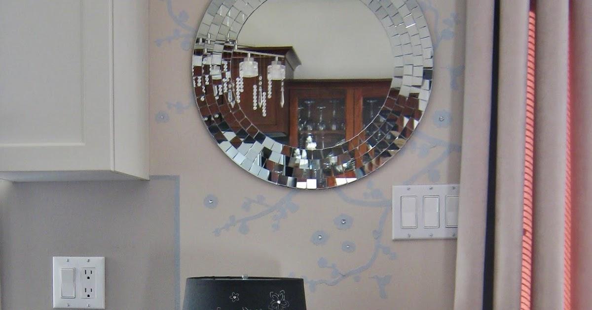 Small bathroom crystal chandelier bathroom design ideas - Small bathroom chandelier crystal ...