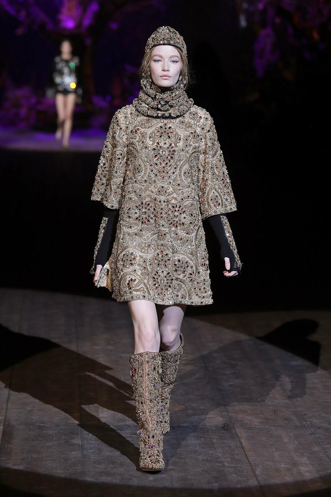 http://www.dolcegabbana.com/woman/Dolce&Gabbana colecção outono inverno 2014-2015 contos de fadas