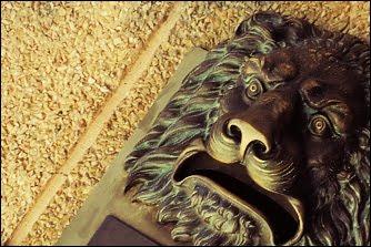 león tristón...