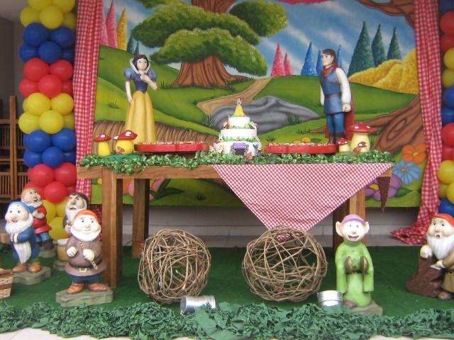 decoracao festa rustica:FANTASIE FESTAS INFANTIS: Branca de Neve – Decoração clean em