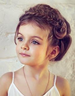 Model rambut panjang bergelombang cantik anak perempuan 2015