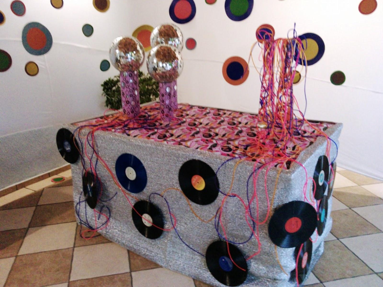 Mombach decora o de eventos decora o anos 70 for Diseno de interiores anos 70