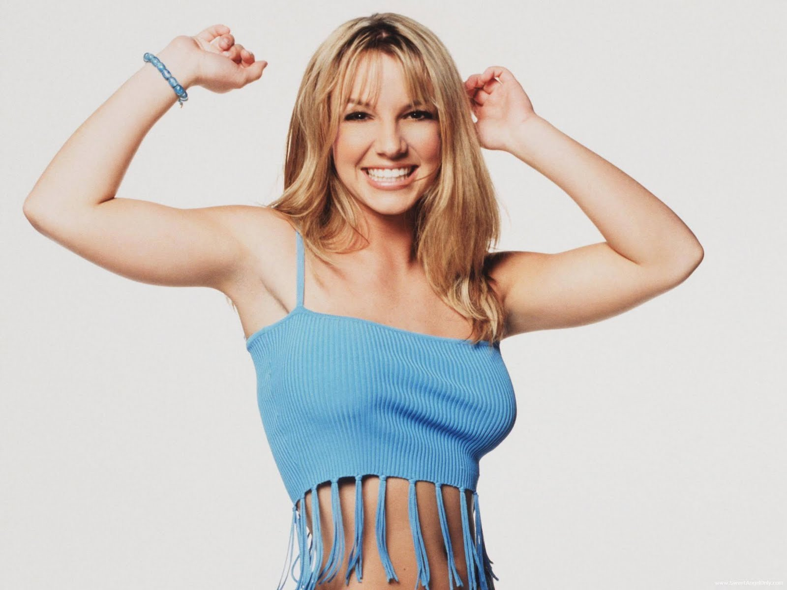 http://1.bp.blogspot.com/-QLj7x7ZzBMA/TtjN0Q7hm_I/AAAAAAAABgc/T4h3vQTT24o/s1600/britney_spears_hollywood_model_wallpaper-1600x1200-02.jpg