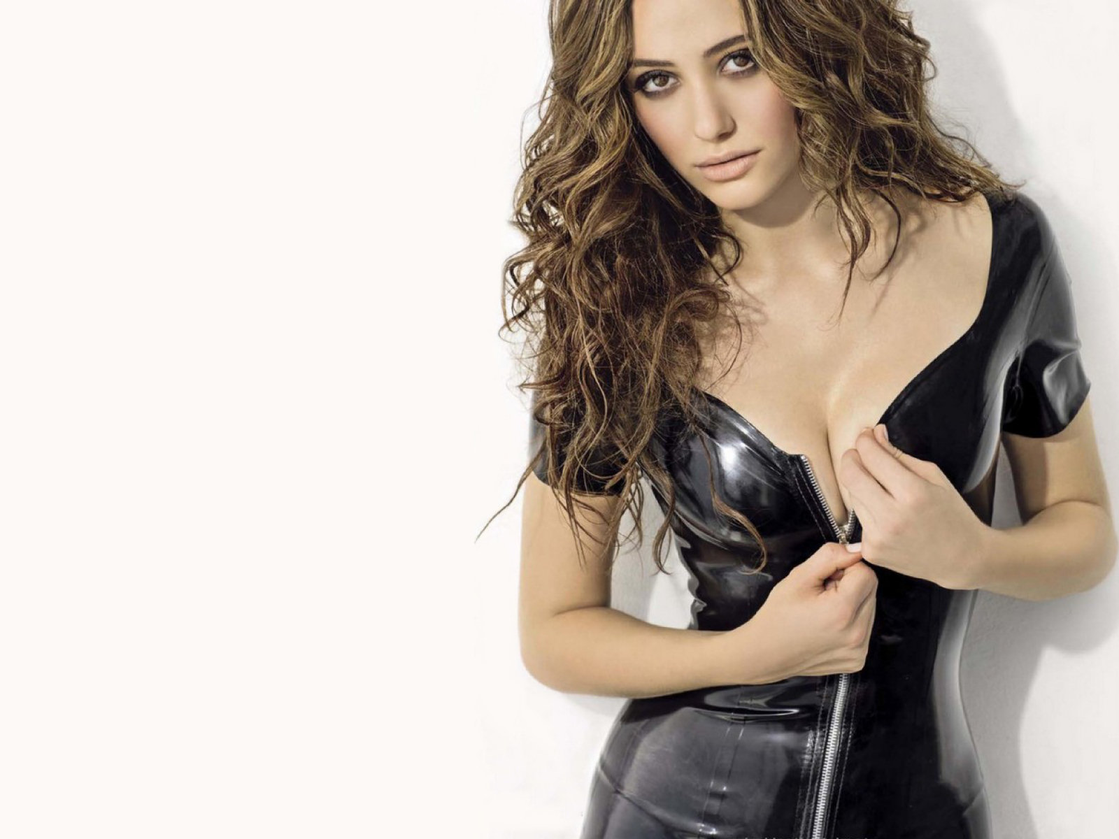 Emmy rossum hd wallpapers 2012 all hollywood stars emmy rossum hd wallpaper voltagebd Gallery