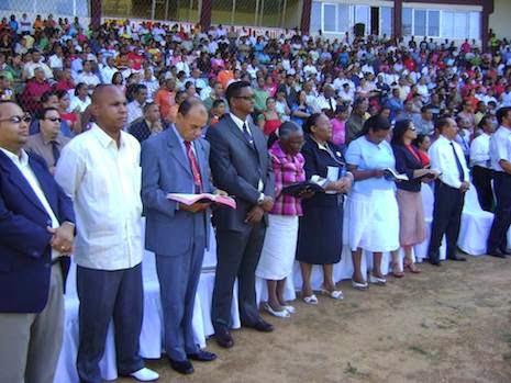 Pasó a la presencia del Señor Pastor Fernando Berroa