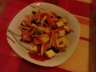 Wędzone tofu smażone z warzywami