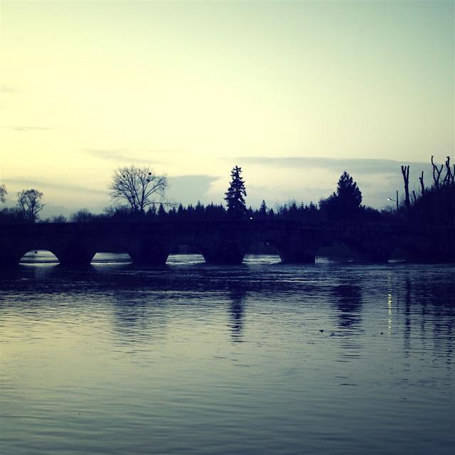 iPad 4 Wallpaper - River