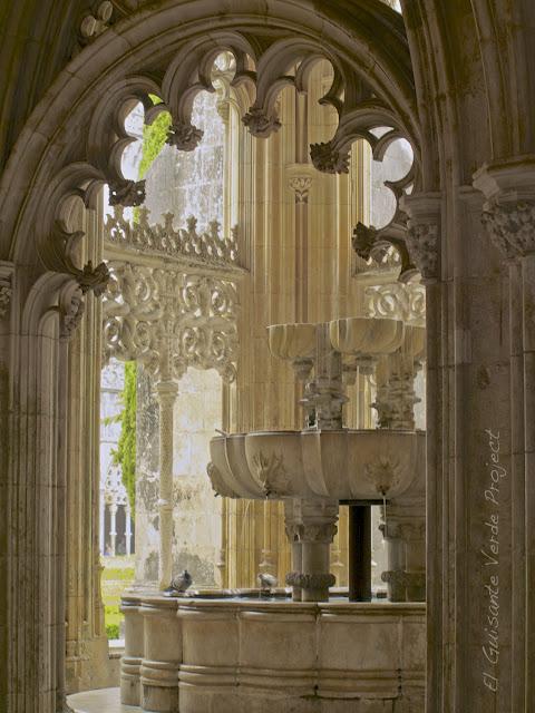 Lavatorio del Claustro Real del Monasterio de Batalla - El Guisante Verde Project