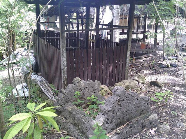 Makam Tokaiyyang Desa Pamboqborang Majene