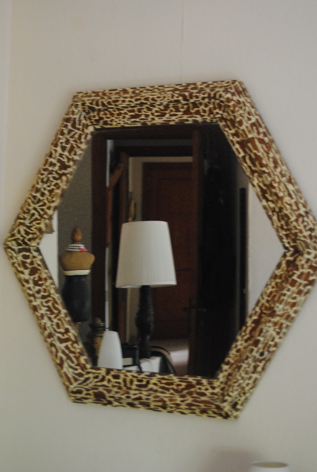 Un espejo tipo print animal | DECORANDO ONLINE