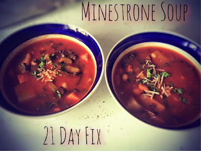 minestrone soup recipe, 21 day fix, clean eating, fall recipes, soup, jaime messina
