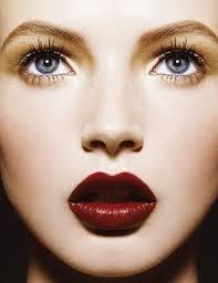 Lipstik Warna Merah Gelap untuk Bibir Gelap Cantik Natural Dark Red