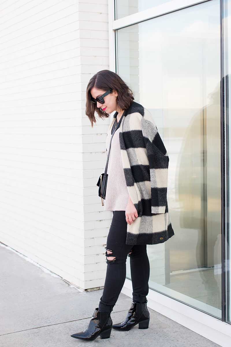 How to wear casual, oversized layers