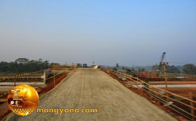 Waduh! Jembatan perlintasan Tol Cikapali tanpa pagar