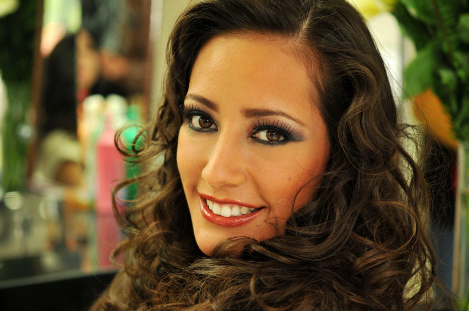 La belleza de Miss bolivia en Rusia.