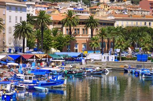 مدينة اجاكسيو الجميلة Locat-36-ajaccio.jpg
