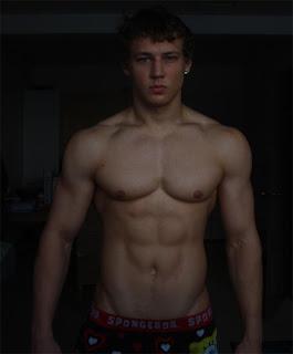 saulius genutis aesthetic young bodybuilder